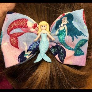 NWOT Mermaid Bow
